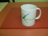 baltas-keramikinis-puodelis-su-logotipu