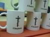 balti-puodeliai-su-imones-rekvizitais